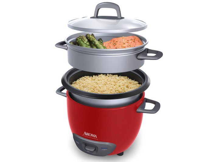 Cooking rice and vegetables in Aroma Rice Cooker