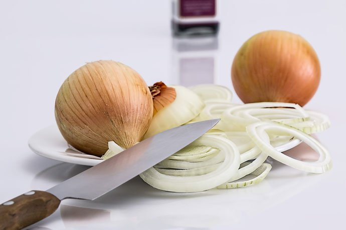 Tear-Free Onion Slicing